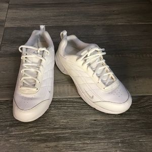 Women's Airliner Nikewalk White Shoes Size 7